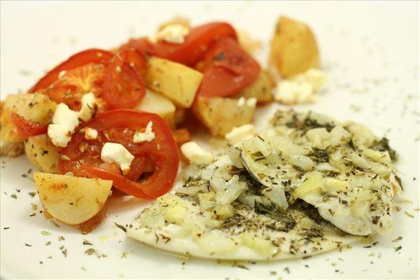 Ovnstegt fisk med kartoffel-fad