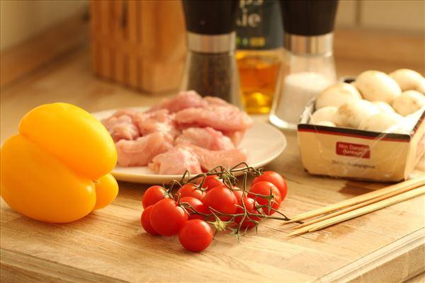Grillspyd med kalkun og grøntsager