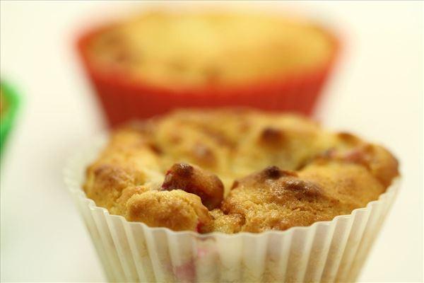 Rabarbermuffins med marcipan og citron