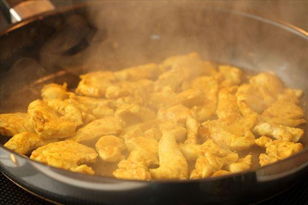 Kyllingesalat med kikærter