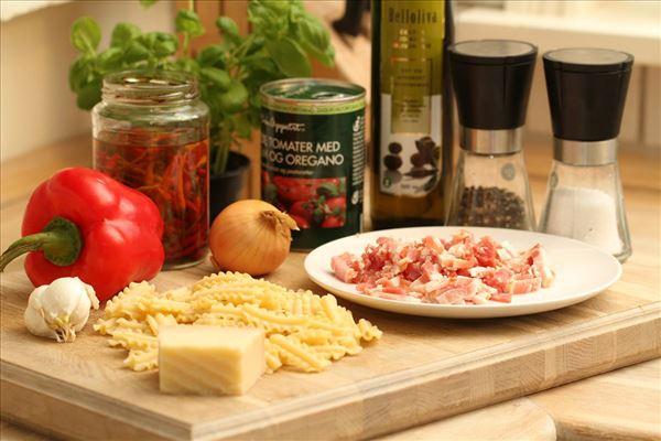 Pasta med stærk sauce