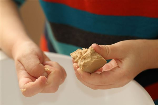 Fastelavnsboller med marcipan og nougat