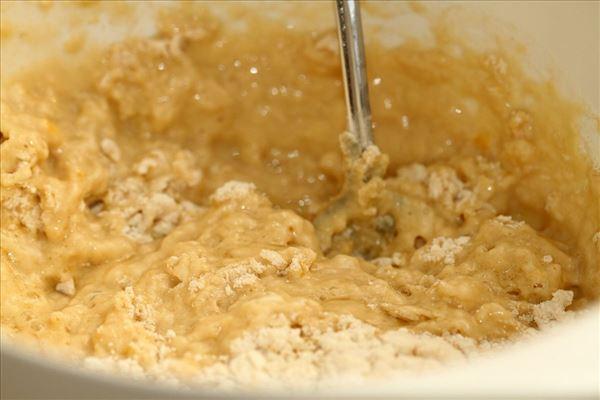 Kanelbrød med brun farin og glasur