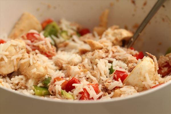Rissalat med tun, tomat og peberfrugter