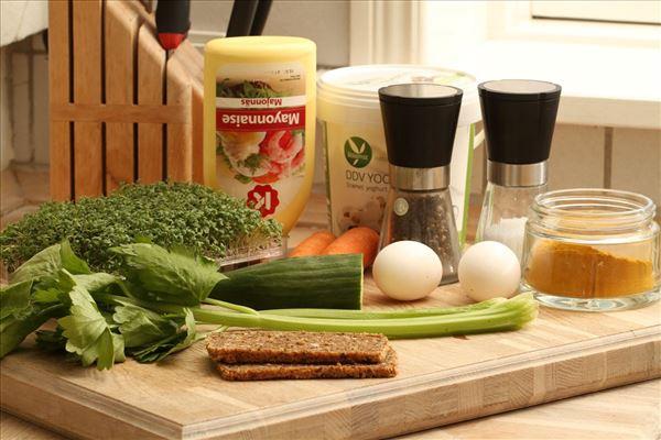 DDV Æggesandwich med grøntsagsstænger