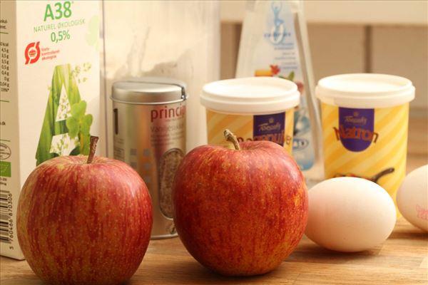 Pandekager med æble