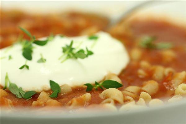 Tomatsuppe med pasta