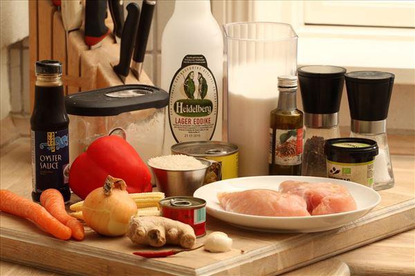 Kylling i hjemmelavet sur/sød sauce med ris