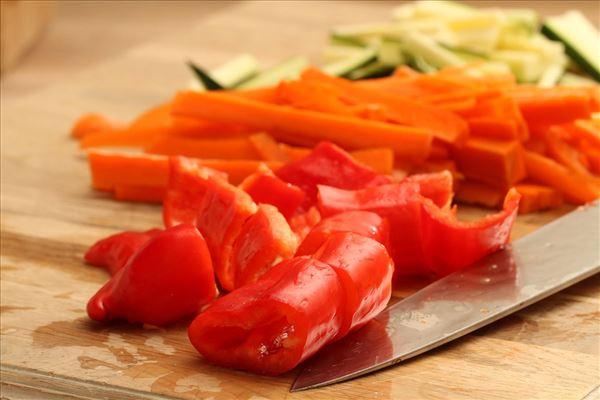 Rødspætterulle med laks og paprikacreme