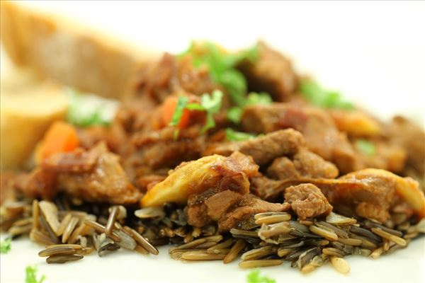 Lam bourguignon med vilde ris