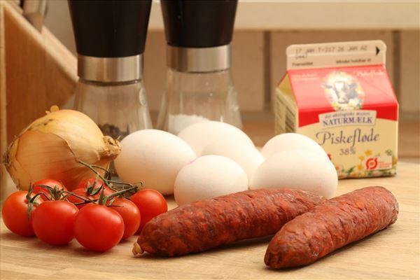 Spanskinspireret omelet med chorizo