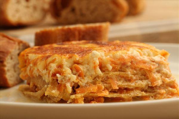 Gulerodslasagne (vegetar) med ost og æg