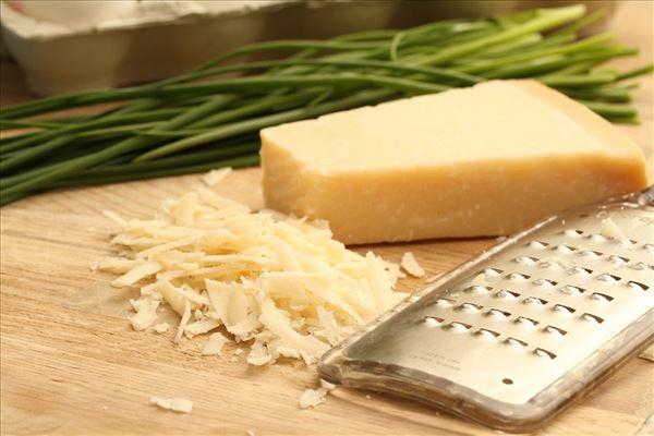 Omelet med parmesanost