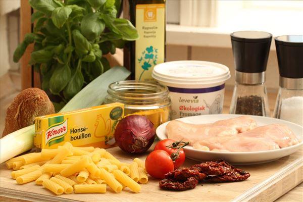 Pastapande med kylling og soltørrede tomater