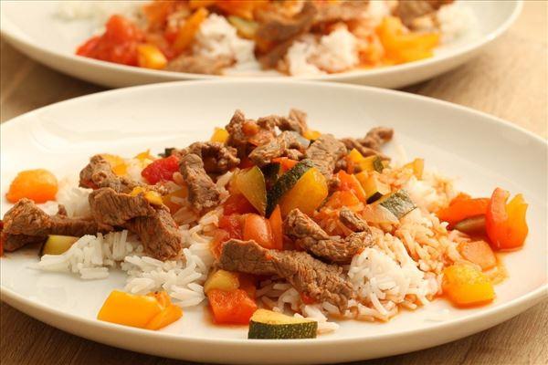 Grøntsags kalvegryde med ris