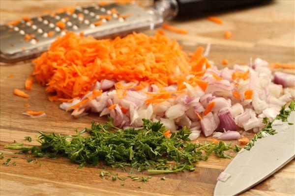 Kartoffelsalat med kalkunfrikadeller