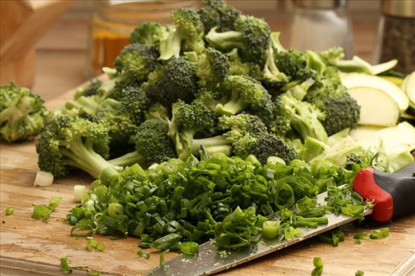 Kalkungryde i mornaysauce med grønt og ris