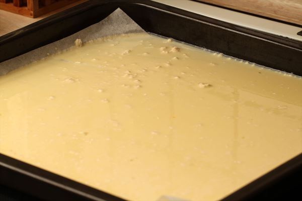 Stor hjemmelavet pandekage med skinkefyld