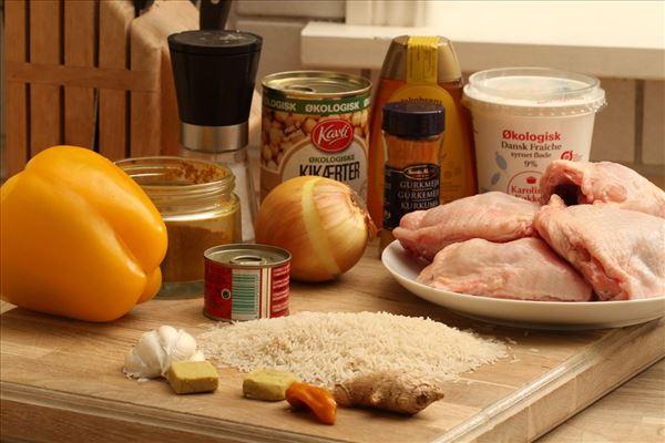 Pukka curry med kylling, kikærter og ris